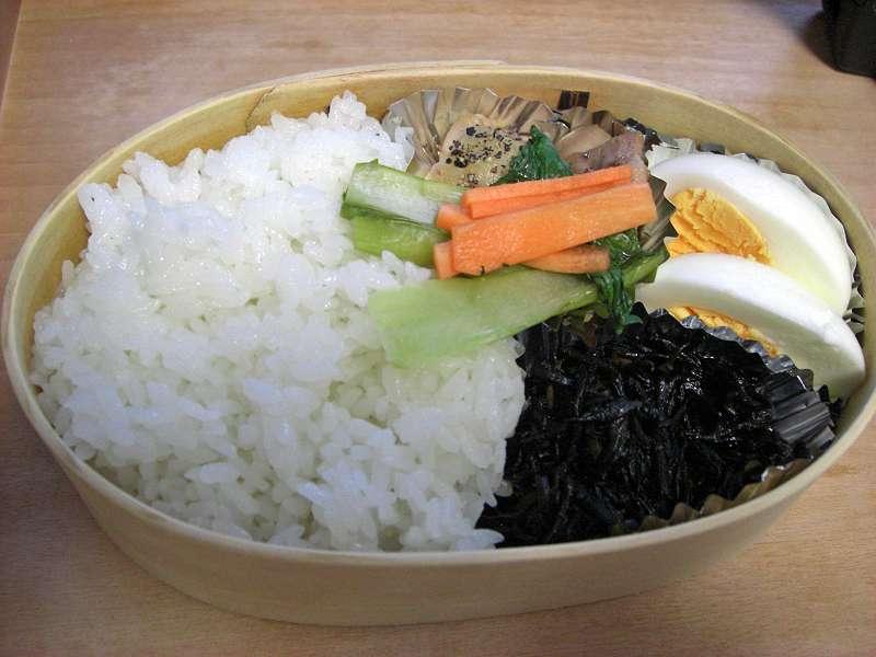 鶏塩こしょう焼き 茹で小松菜と人参