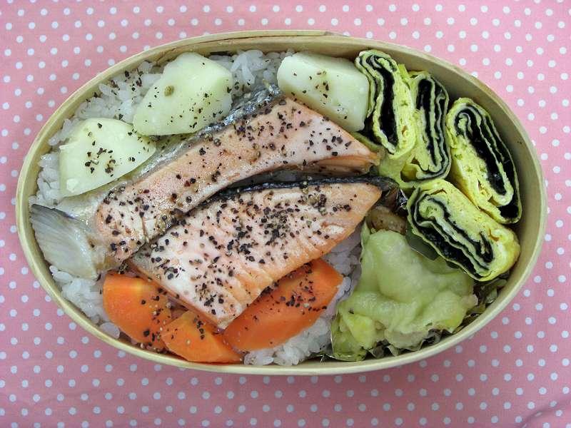 焼き鮭 マカロニグラタン