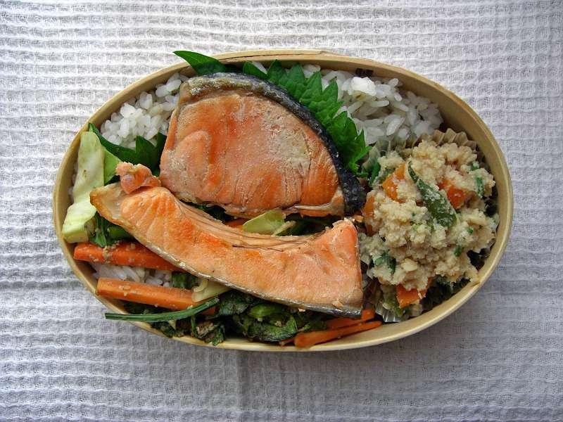 焼き鮭わっぱ弁当