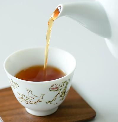 鳥獣戯画ファンなら買い!カレルチャペックの紅茶椀。