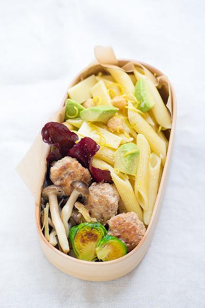 avocado-chickpea-pennne-magewappa-bento-1