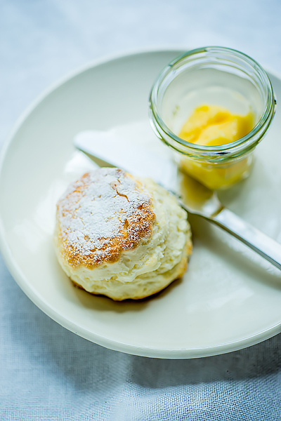 scone-lemon-curd-1
