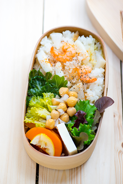 seafood-pilaf-with-salted-remon-bento-1