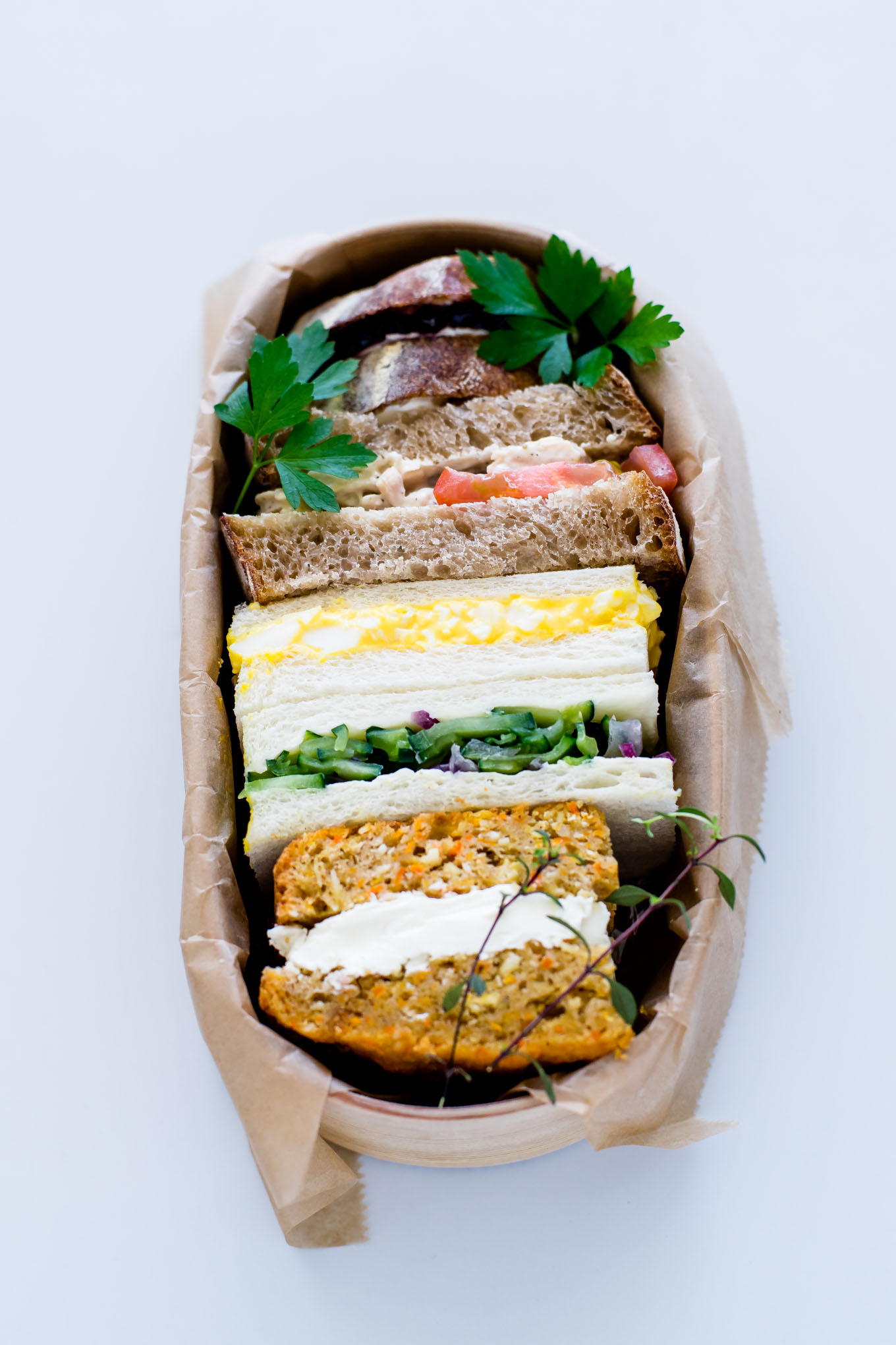 how-to-pack-a-sandwich-in-magewappa-bento-1