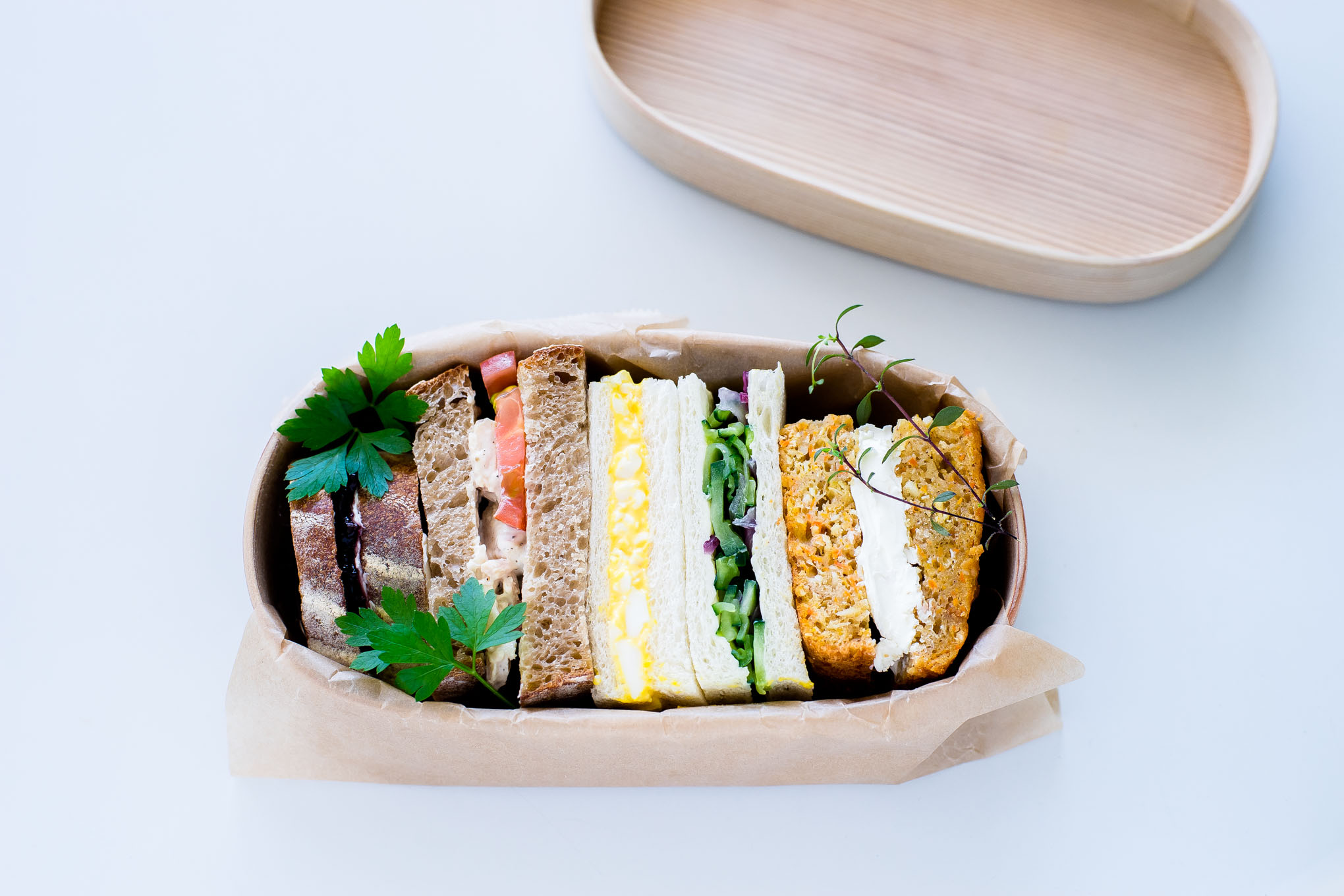 how-to-pack-a-sandwich-in-magewappa-bento-2