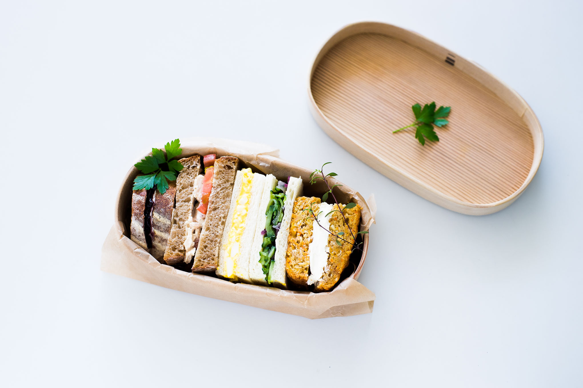 how-to-pack-a-sandwich-in-magewappa-bento-3