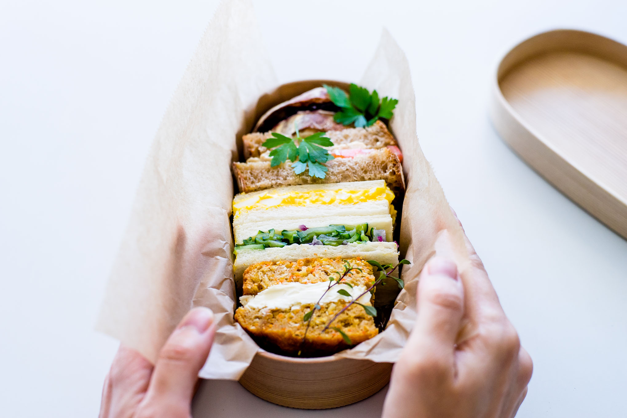 how-to-pack-a-sandwich-in-magewappa-bento-6