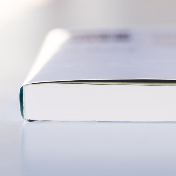 休みの日にゆっくり読みたい。食に関するおすすめの本7選。