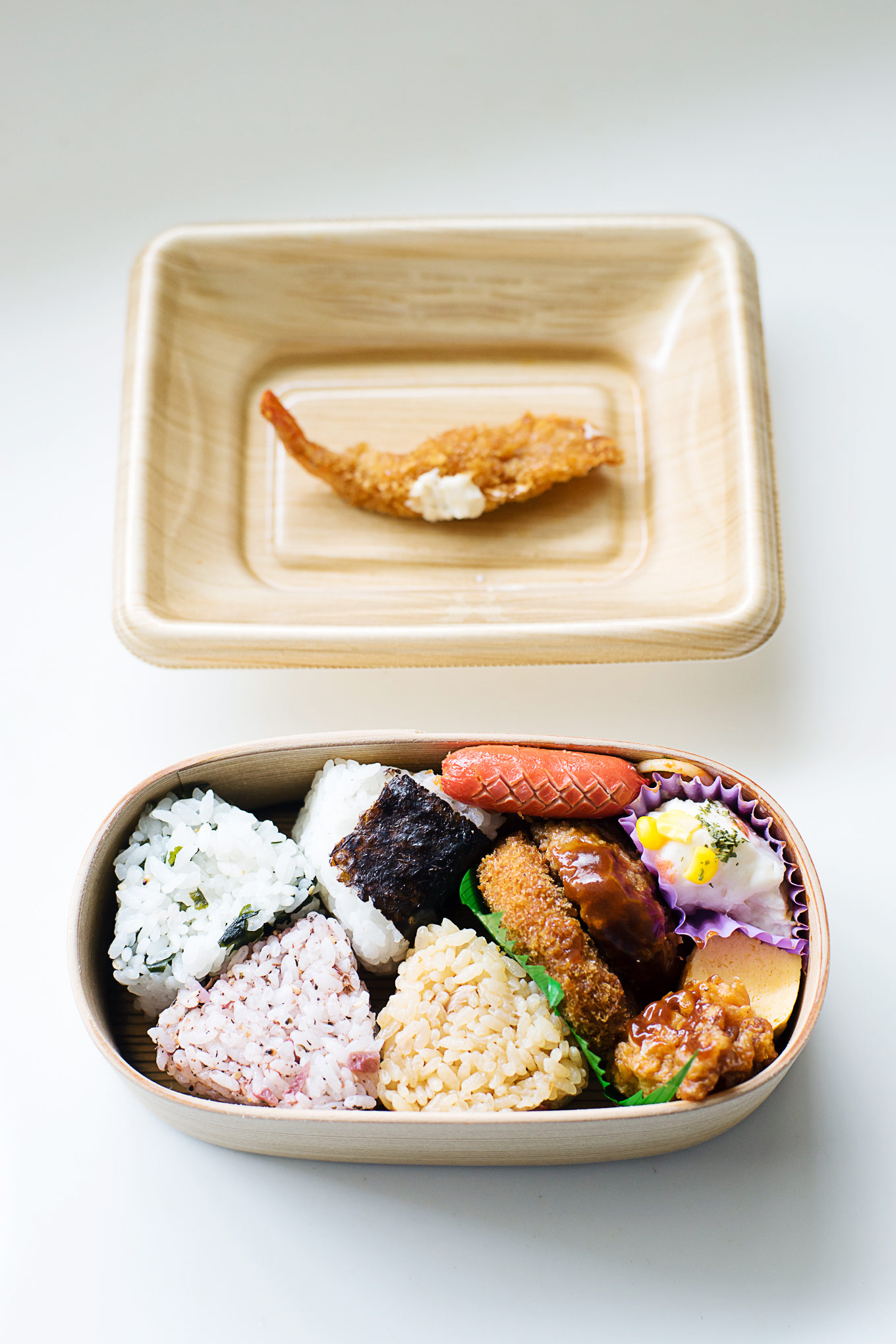 how-to-pack-convenience-store-bento-in-a-magewappa-lunch-box-10