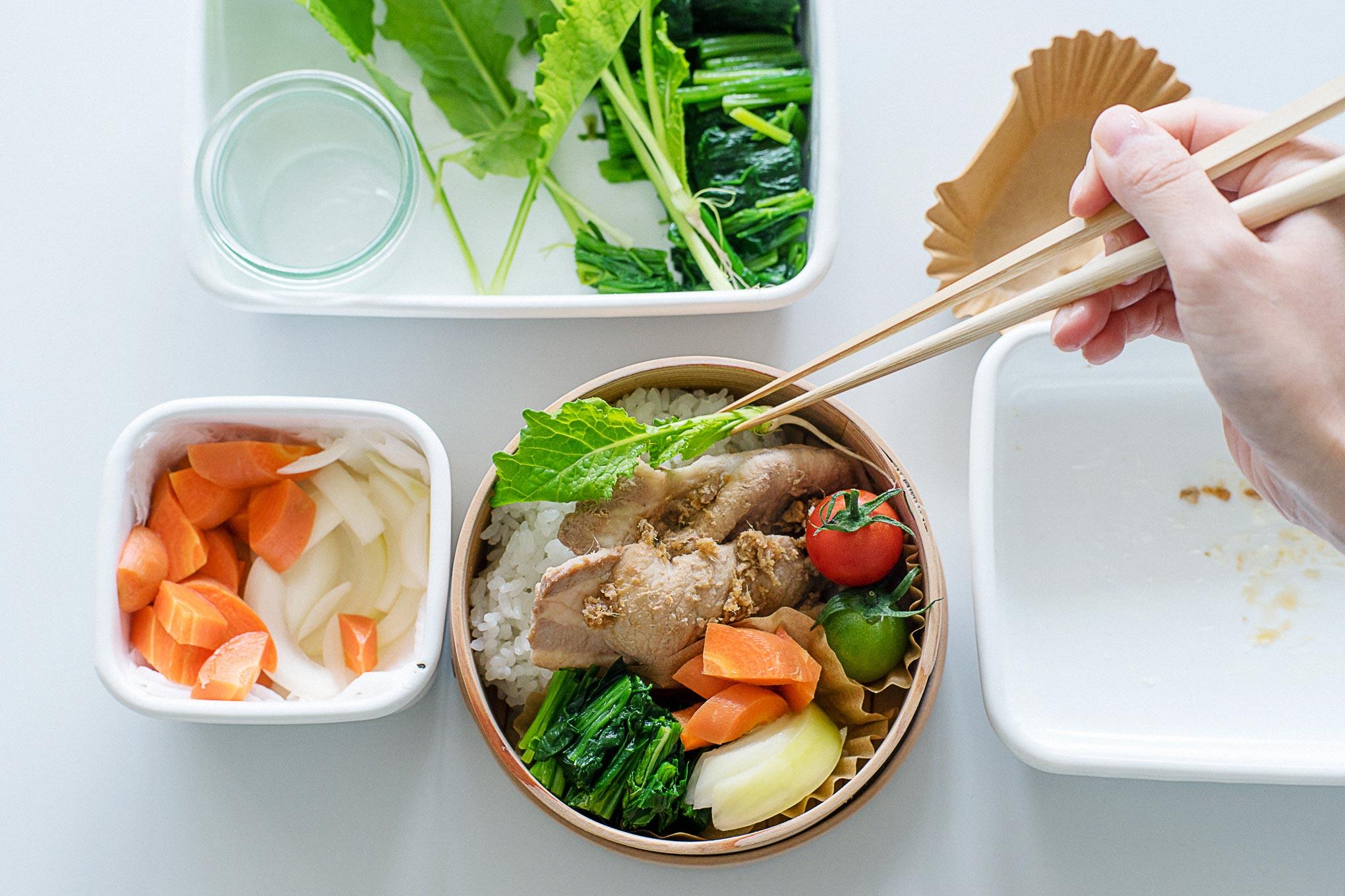 how-to-make-ginger%e2%80%90fried-pork-bento-15