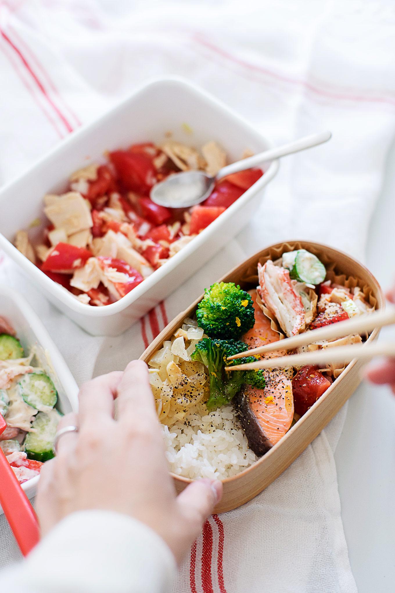 grilled-salmon-with-yuzu-flavor-bento-13