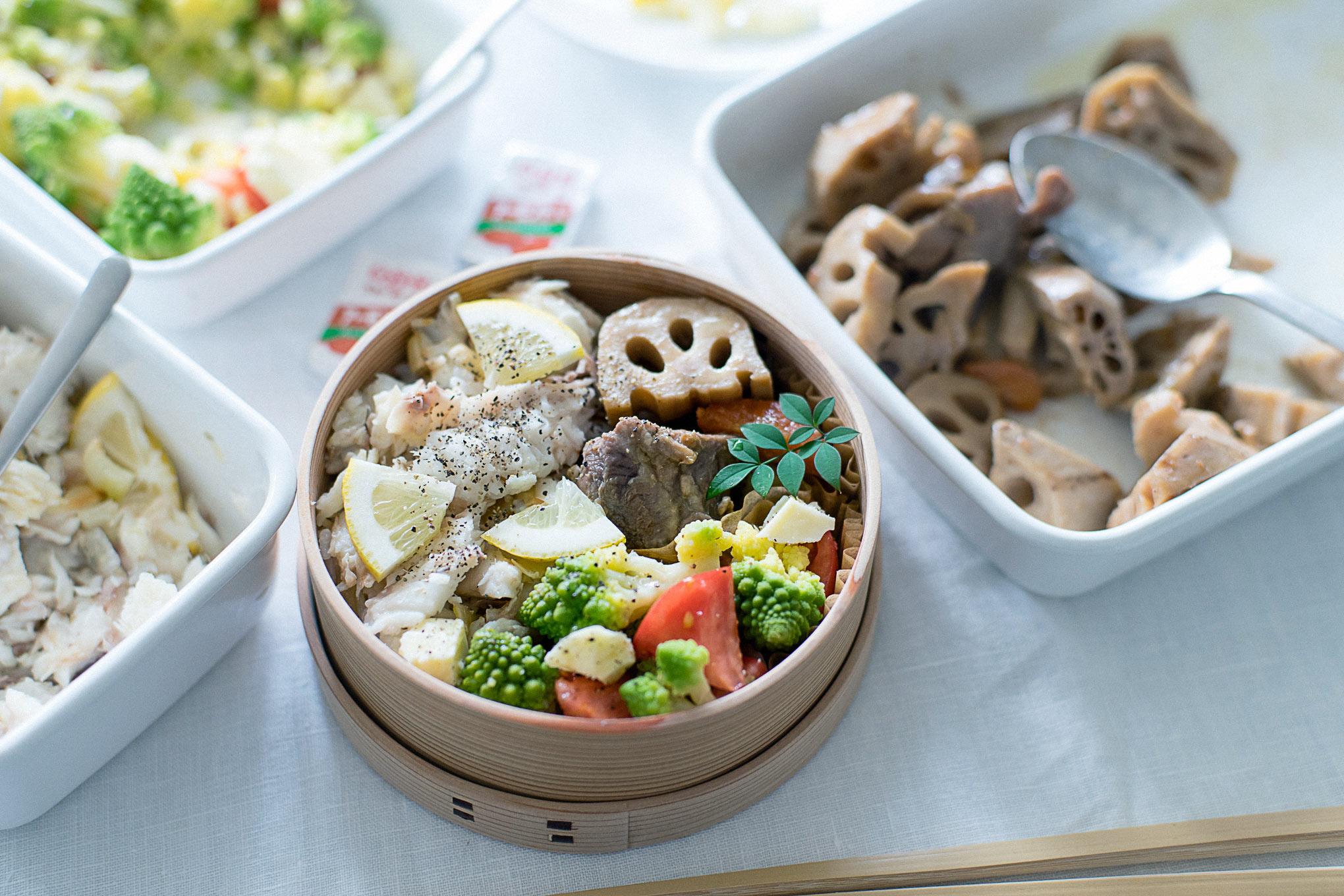 【お弁当の詰めかた・その2】白身魚のレモンそぼろご飯弁当。