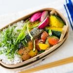 暑くてお箸が進まない塩鮭弁当を食べやすくするアイデア。