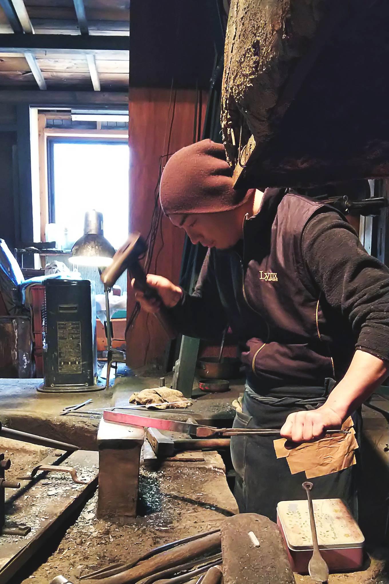 大久保鍛冶屋さんで曲げわっぱ用の刃物を特注してきたときに思ったこと。